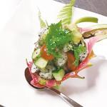 魚菜 日本橋亭 - ドラゴンフルーツサラダ