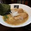 也 - 料理写真:豚骨醤油らーめん