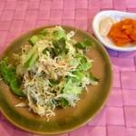 カレー工房ダーニャ - サラダ、薬味