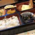 秋桜 - 日替わりランチ ¥600                             画像はご飯少なめにして頂いています