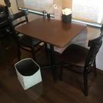レストラン食茶房むうぷ - (内観)2名テーブル席