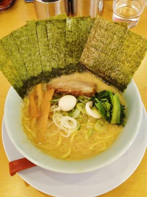 清六家 総本山 - ラーメン720円麺硬め。海苔増し100円。