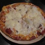 8648551 - アンチョビとガーリックのピザ