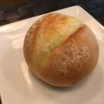 86480083 - 丸パン