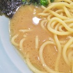 龍一郎 - クリーミーでマイルドなスープ。