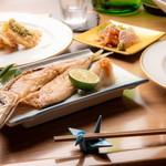 小料理もものふ - 焼魚に煮魚、北九州の魚は美味しいですよ。