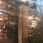 Trattoria ALBERO - 雰囲気いいね。 あれ?門がメインに撮れてるていう(笑)