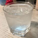 長浜屋台 やまちゃん - 芋焼酎の水割り。多分黒霧。