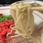 長浜屋台 やまちゃん - 丁度いい硬さの麺。
