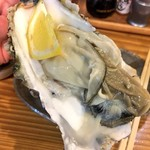 錦山 - 料理写真:三陸産生牡蠣¥250!
