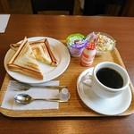 カフェ カプチーノ - ホットサンド(玉子、ハム)モーニング