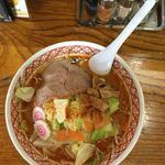 めん丸 - 料理写真:辛味噌野菜ラーメン(半麺、普通麺、エル辛)