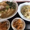 Tenchiyuuken - 料理写真:豚骨醤油ラーメンとチャーハンのセット