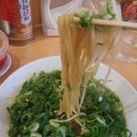 ラーメン○イ - 麺リフトアップ