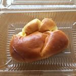 トーホーベーカリー - クリームパン