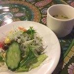 インドカレーツルシ - ランチのサラダ&スープ