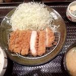 86507614 - ロースカツ定食(¥690)