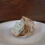 オステリア コマチーナ - パン
