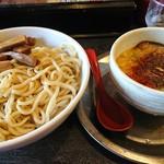 勢拉 - つけ麺(中盛)・ネギ増し・極太黒メンマトッピング・(一味唐辛子一杯)