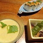 86515727 - 前菜3種盛り合わせ                       ■蛸と甘長とうがらしの揚げ浸し■鱧子の茶碗蒸し■穴子の押し寿司
