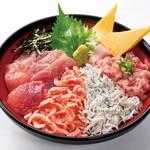 駿河丸 - 料理写真:大漁!漁師丼。駿河湾産桜海老、釜揚げしらすをのせた贅沢な4食丼です。