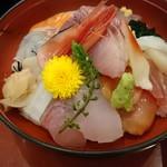 浜の郷 - 大漁丼