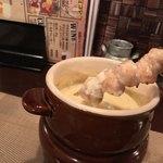 個室ワインビストロ ぶんがぶんが - 個室ワインビストロ ぶんがぶんが 渋谷店(東京都渋谷区道玄坂)焼き鳥用チーズフォンデュ・ソリレス・ぼんじり(尾肉)1本・アボガド