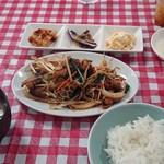 大森屋 - 料理写真:ホルモンもやし定食、これで500円!旨すぎ、安すぎ!