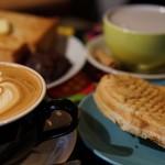 コーヒーとタイヤキのカラク -