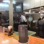 カレーの市民 アルバ - キッチン方向