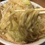 """階杉 - 特製の極太麺!ガシガシ喰らうって感じです。広島の汁なし担々麺の名店 国松さんとのコラボメニューで""""ななも製麺""""の麺を使用されているそうですよ(*^▽^*)"""