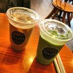 タリーズコーヒー - 抹茶のアイスとモカのアイス