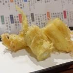 鮮魚菜彩 ゆうや - ヤングコーン天麩羅