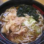 名代 箱根そば - 肉そば450円