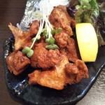 鉄板酒場やすみ屋 - 鶏の唐揚げ
