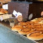 パン パティ こむぎのおはなし - 惣菜系パン屋やサンドイッチも豊富