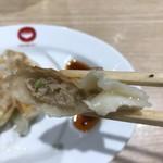 ラーメン中華食堂 新世 - 【2018.5.21】餃子の餡は少なめ。