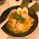 めんや 鶏志 - 特製(全部のせ)煮干し鶏そば(900円)