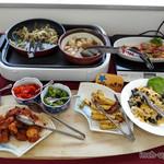 花の食品館 - 豚の生姜焼き、里芋といかの煮物、漬物、とんかつ、大学芋、きくらげの玉子炒め