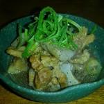 和風ダイニングはん蔵 - 和牛すじとコンニャク煮