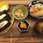 OMUSUBI CAFE - 豚もも生姜セット