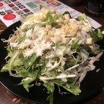 昭和ホルモン館 - シーザーサラダ、ボリュームたっぷり