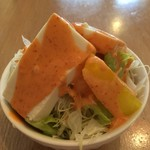 MINA - セットのサラダ。豆腐入り。