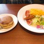 デニーズ - セレクトモーニング¥646 スクランブルエッグとパンケーキ