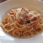 オステリア コマチーナ - トマトとペコリーノチーズのリングイネ