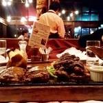 ハングリータイガー - ハングリータイガー@保土ヶ谷本店 オリジナルハンバーグと厚切り牛タンステーキ レギュラーセット 横から