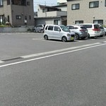 伊勢屋本店 - その他写真:店横の駐車場