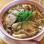 麺切り 白流 - 特製醤油そば970円