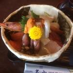 大山 - 海鮮丼