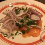 ESOLA - 鯛とサーモンのカルパッチョ 780円